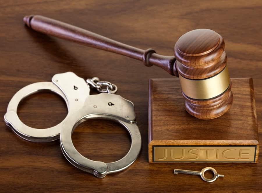 impacare mediere furt avocat