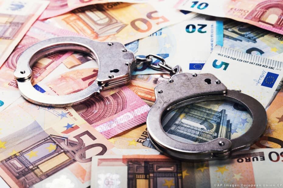 evaziune fiscala prejudiciu